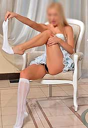 Submissive escort Emma